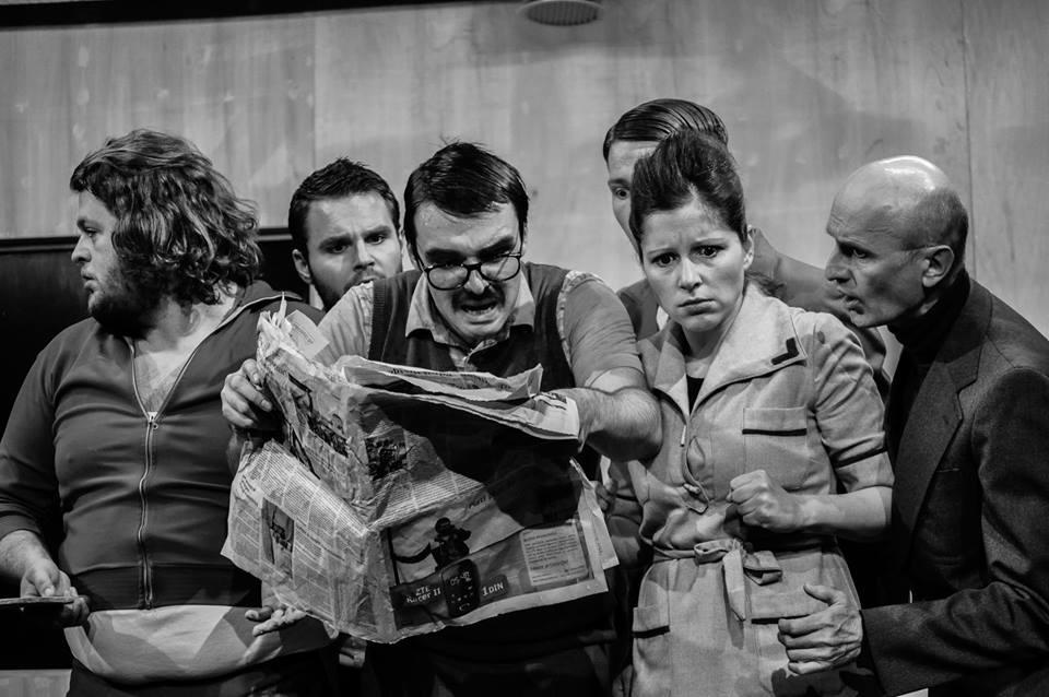 Scene from POKOJNIK / THE DECEASED. A guest performance of the JDP at the Volkstheater Wien. Photo © Jelena Veljković