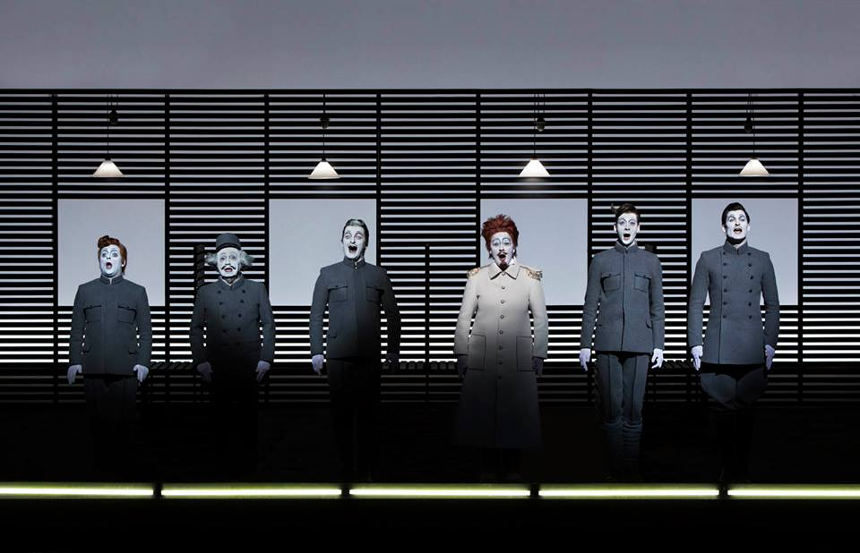 1914: Kraus, Karl – Hašek, Jaroslav – Ljubková, Marta – Wilson, Robert. Director and set designer Robert Wilson, prem. April 30, 2014, Estates Theatre of the National Theatre © Lucie Jansch